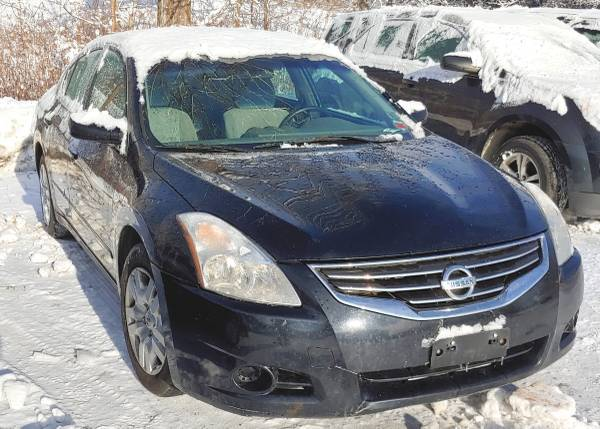 Photo 2010 altima - $5900 (middlesex)