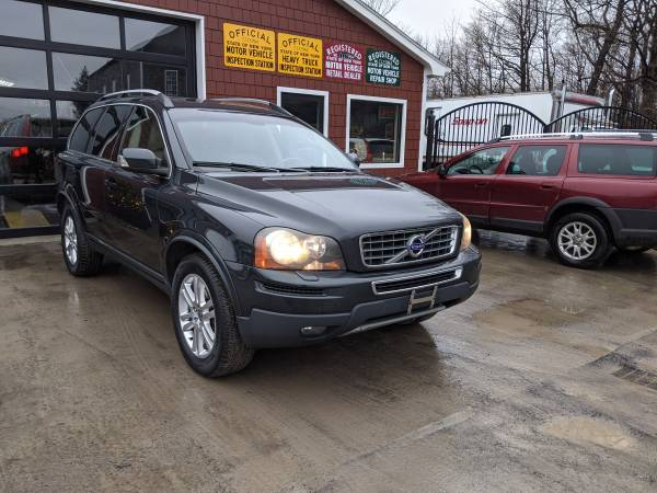 Photo 2011 Volvo XC90 3.2 AWD SUV with third row - $9500 (Stanley)