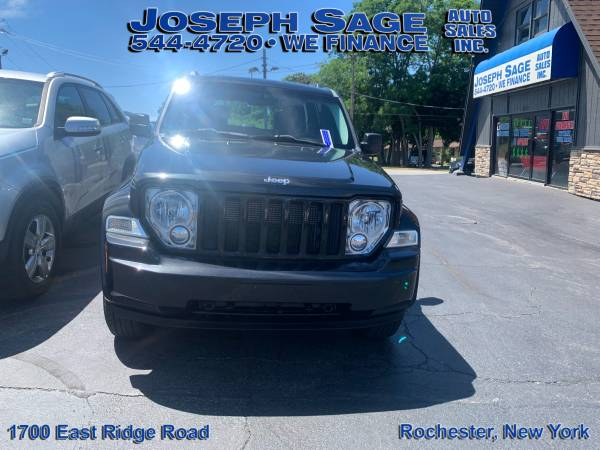 Photo 2012 Jeep Liberty - We take trade-ins Push, pull, or drag (Joseph Sage Auto Sales Inc.)