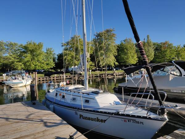 Photo 30ft Hunter Sailboat Reduced - $10,500 (Ithaca)