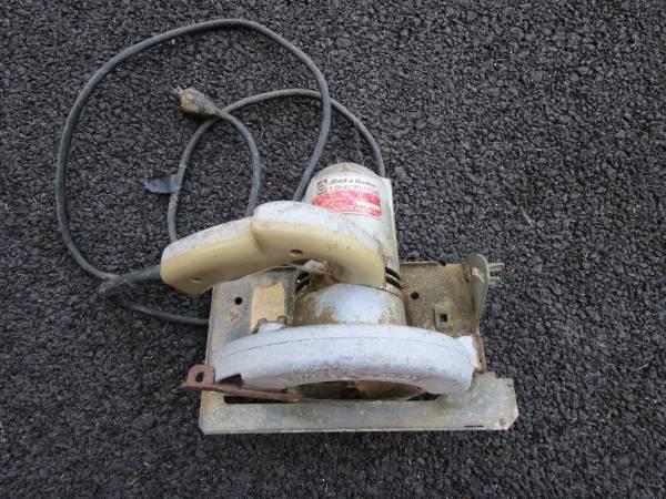 Photo Black  Decker U-136 6 12quot Utility Electric Saw, USA - $8 (Canandaigua)