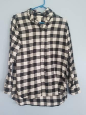 Photo Black and white shirt (size 4) - $10 (Fairport)