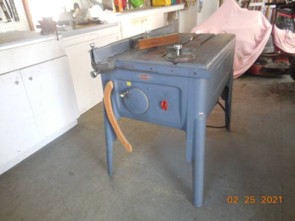 Photo CRAFTSMAN ALL METAL TABLE SAW - $250 (Waverly, NY)