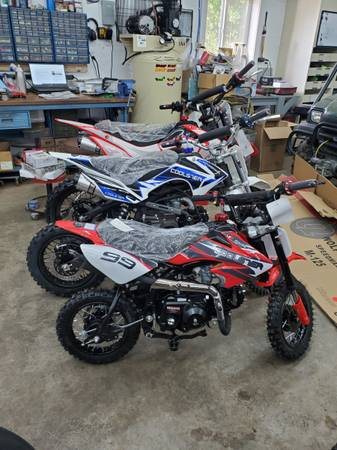 Photo Coolster pit Bikes mini dirt bikes 3 different size to fit all riders - $1,000 (Marion)
