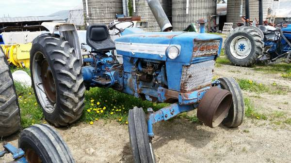 Photo Ford 4000 Ford Tractor parts