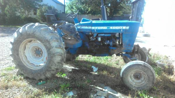 Photo Ford 4200 Row crop tractor parts Ford tractor