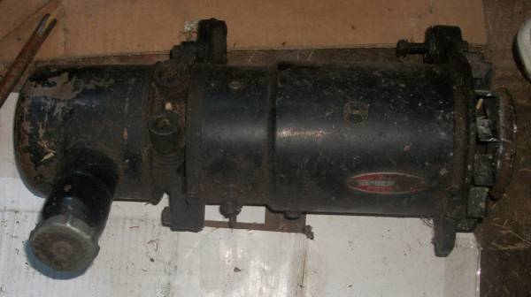 Photo GENERATOR - POWER STEERING UNIT  FROM 3957 CHEVY 283  BEST OFFER - $150 (AUBURN  MORAVIA)