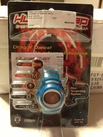 Photo Hyperrap DJ Scratch Watch Blue Design 2000 - $15 (Rochester)