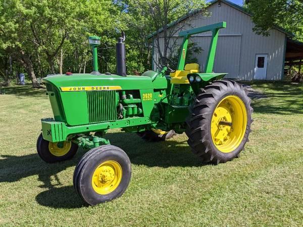 Photo John deer Tractor 3020 diesel - $19,950 (romulus)
