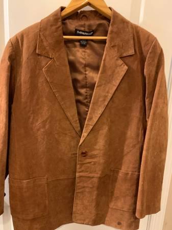 Photo Mens brown suede leather Blazer-sz 14-XL - $10 (Chittenango)