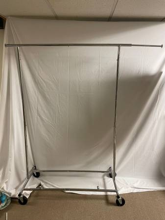 Photo Metal clothes rack- rolling - $150 (Liverpool)