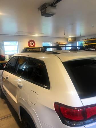 Photo Thule roof rack - $500 (Canandaigua NY)