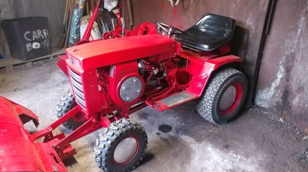 Photo Wheel horse tractor - $1050 (Seneca falls)