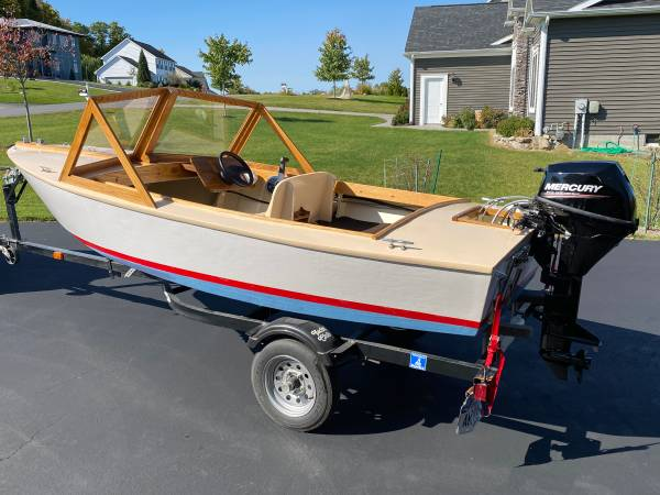 Photo Wooden Power Boat 14 foot - $4,500 (Victor)