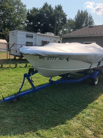 Photo 15ft crestliner boat,trailer  65hp mercury 2 stroke runs perfect - $2,500 (Davison)