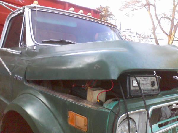Photo 1967-72 Gmc and Chevy C60 hood - $700 (Flint, Saginaw, Bay City, Detroit)