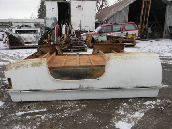 Photo 1973-1987 CHEVY GMC LONG BED BOX RUST FREE (IMLAY)