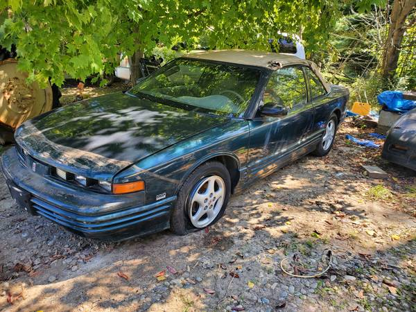Photo 1995 Oldsmobile Cutlass Supreme Convertible - $1,600 (Fenton)