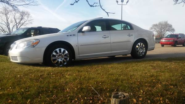 Photo 2009 BUICK LUCERNE CXL -- SPECIAL EDITION FROM TEXAS ----- SO NO RUST - $7,700 (FLUSHING)