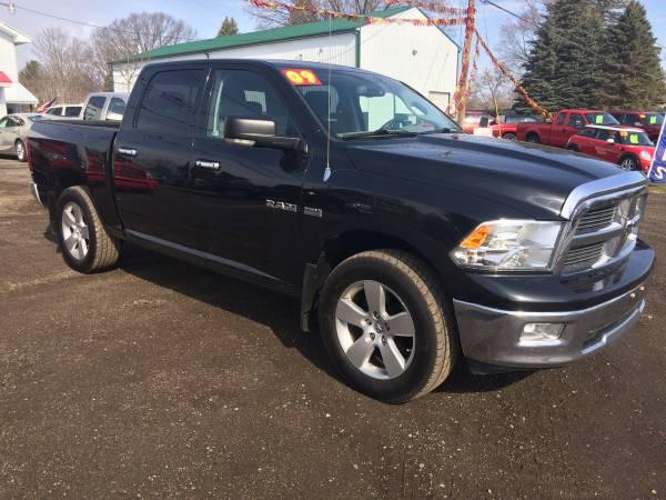 Photo 2009 Dodge Ram Pickup 1500 4x4 SLT Sport CLEAN CARFAX (STK 17-109) - $14900 (Davison)