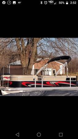 Photo 2012 Bennington pontoon 20 slm - $17500 (Flint)