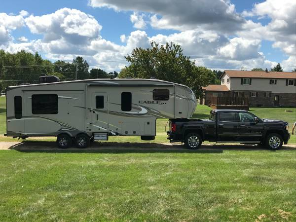 Photo 2017 Jayco HT 5th Wheel - $29,500 (Knoxville)