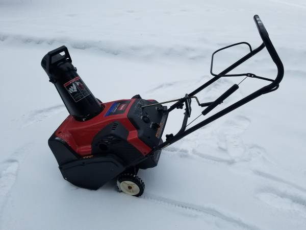 Photo 20 Inch Toro CCR3650 Snow Blower - $225 (Lake Orion)