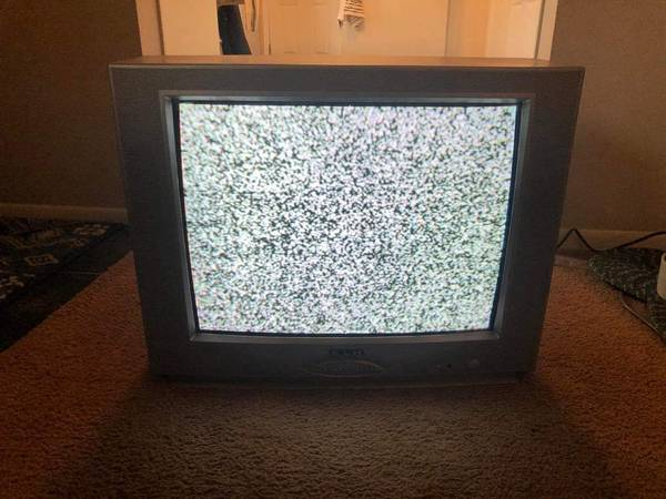 Photo 20 inch KLH Brand color TV - $25 (Flint)
