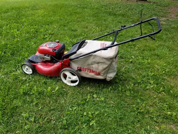 Photo 21 Inch Craftsman Self Propelled Lawn Mower With Bag - $160 (Lake Orion)