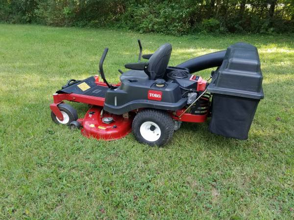 Photo 50 Inch Toro SS5060 Zero Turn Riding Lawn Mower With Bagging Unit - $2,600 (Lake Orion)