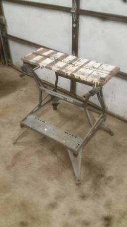 Photo Black and Decker workmate 300 portable work bench - $20 (Mount Morris)