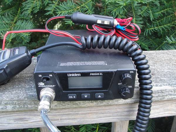 Photo CB Radios Uniden and Realistic - $1,234 (Lapeer)