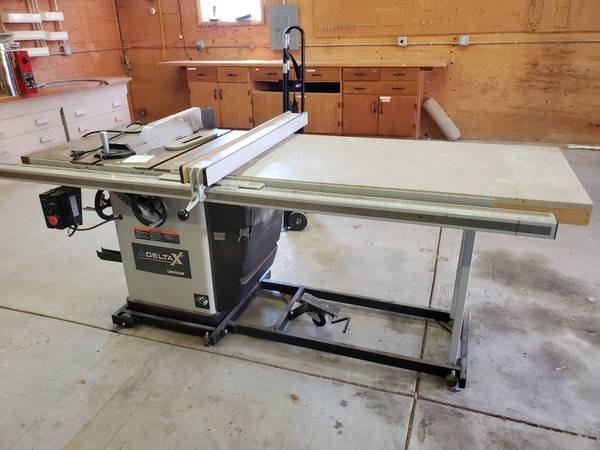 Photo Commercial Delta X5 Unisaw wBeisemeyer Fence Home Use Only - $2000 (Flint)