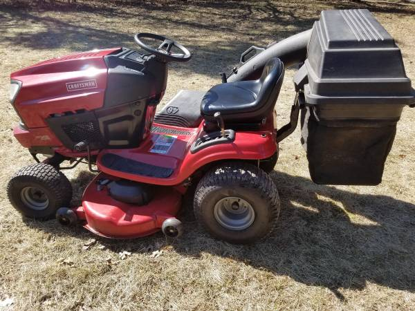 Photo Craftsman 46 Inch Riding Lawn Mower With Bagger - $975 (Lake Orion)