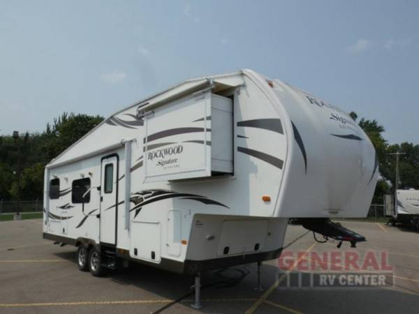Photo Fifth Wheel 2015 Forest River RV Rockwood Signature Ultra Lite 8280WS - $29,998