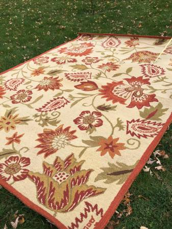 Photo Gorgeous Pier One Hand Loomed Wool Rug 9x12 - $165 (Fenton)