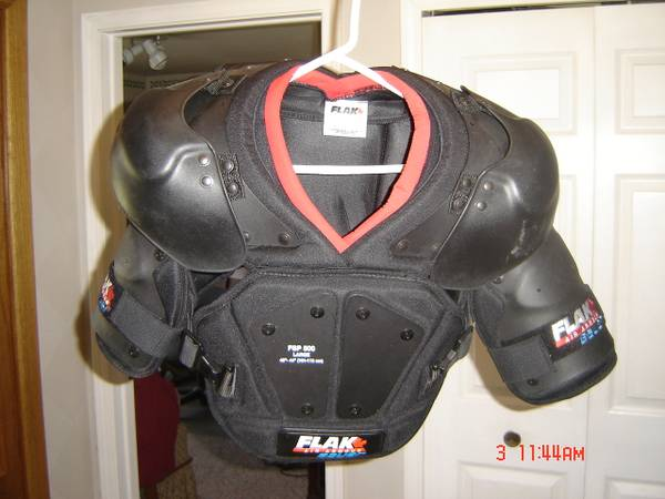 Photo Hockey Shoulder Pads - $30 (Rochester)