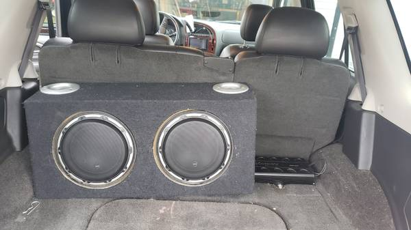 Photo Jl audio 10 w6v2 - $300 (Durand)