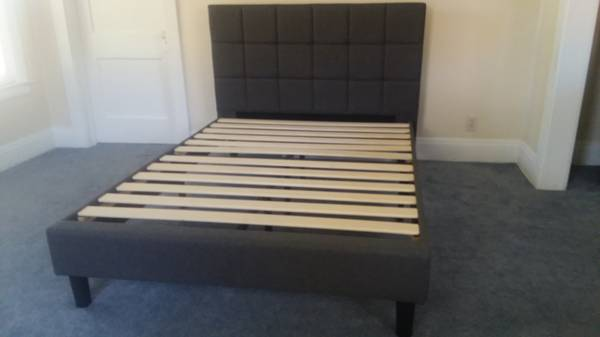 Photo New Full  Double Size Stylish Platform Bed Frame-No Box spring Needed - $299 (Retail$599- U Pick up- Or I Deliver Today)