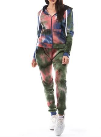 Photo Tie dye joggers fleece sets - $40 (Flint)