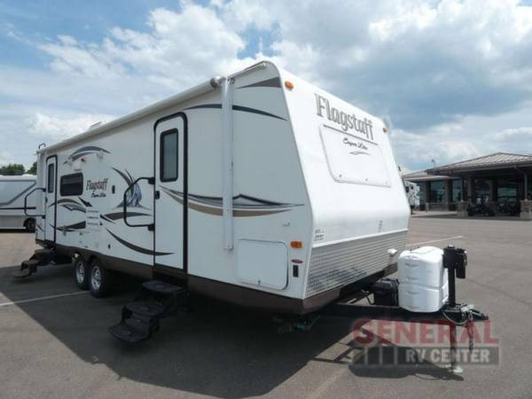 Photo Travel Trailer 2013 Forest River RV Flagstaff Super Lite 26RLWS - $19,999