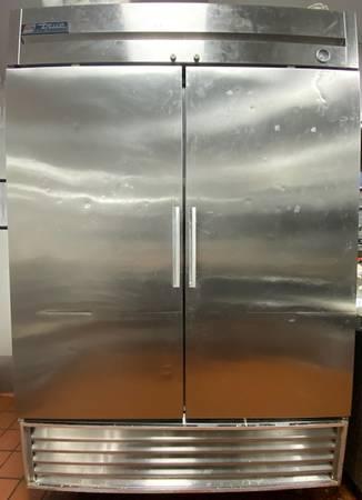 Photo True Double Door Refrigerator - $1,900 (Flint)