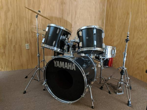 Photo Vintage Yamaha Power Road Series Drum Kit ( 1987 ) - $300