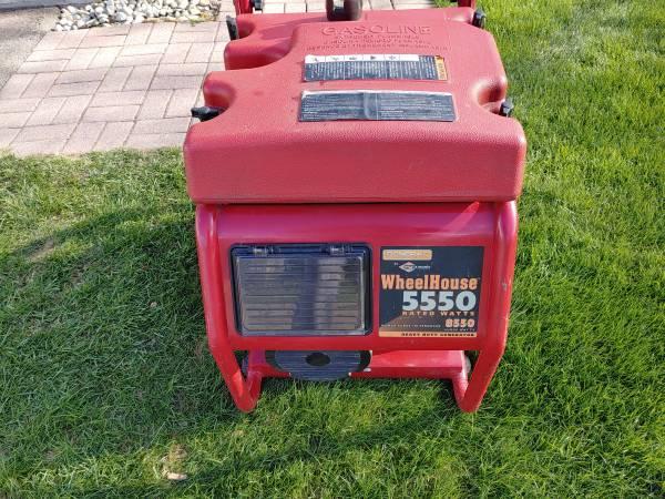Photo Wheel horse 5500 watts generator - $245 (Davison)