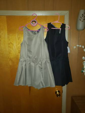 Photo girls school uniform clothes 78 - $15 (Flint)