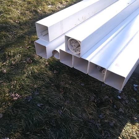 Photo seven 4 34quot x 4 34quot x 98quot vinyl fence posts - $35 (lennon)