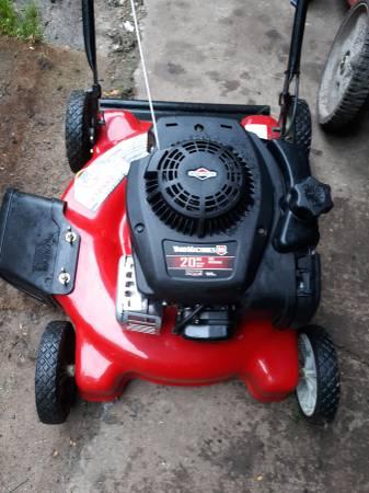 Photo yard machines push mower - $125 (davison)