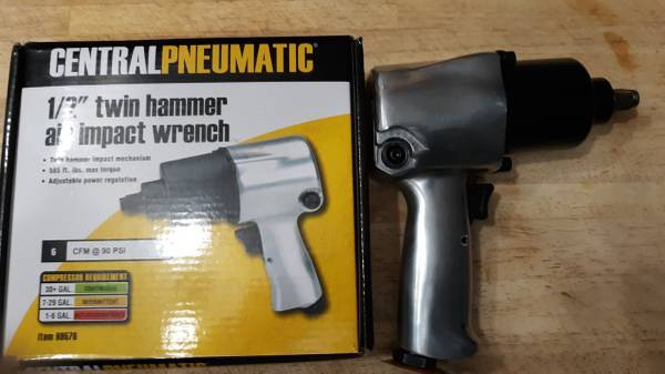 Photo 12 Twin Hammer Air Impact Wrench - $30 (CLOVER)