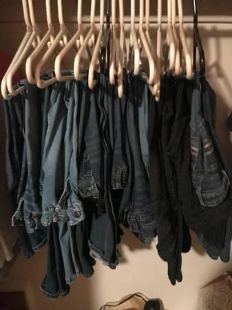 Photo 18 Pairs of girls Jeans - $50 (N Charleston)