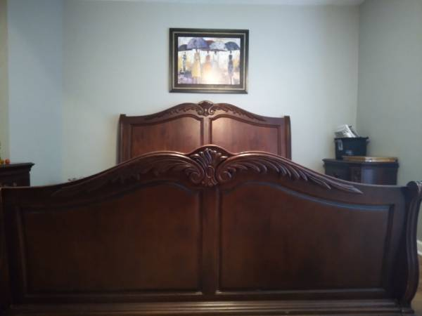 Photo Cal King Solid Cherry Wood Sleigh Bed Set - $2,500 (Turbeville SC)